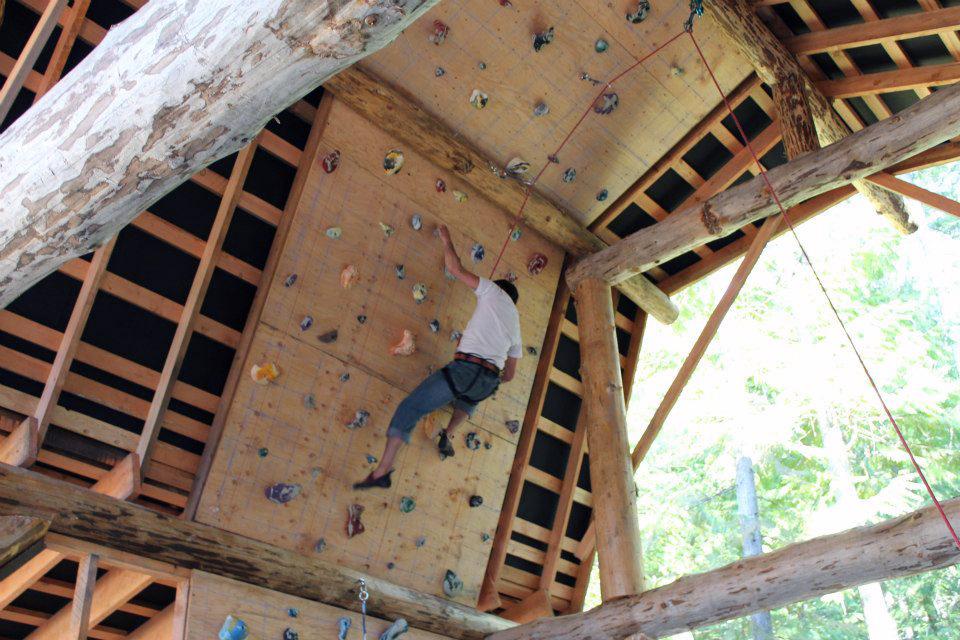 Wbarn-climbing6